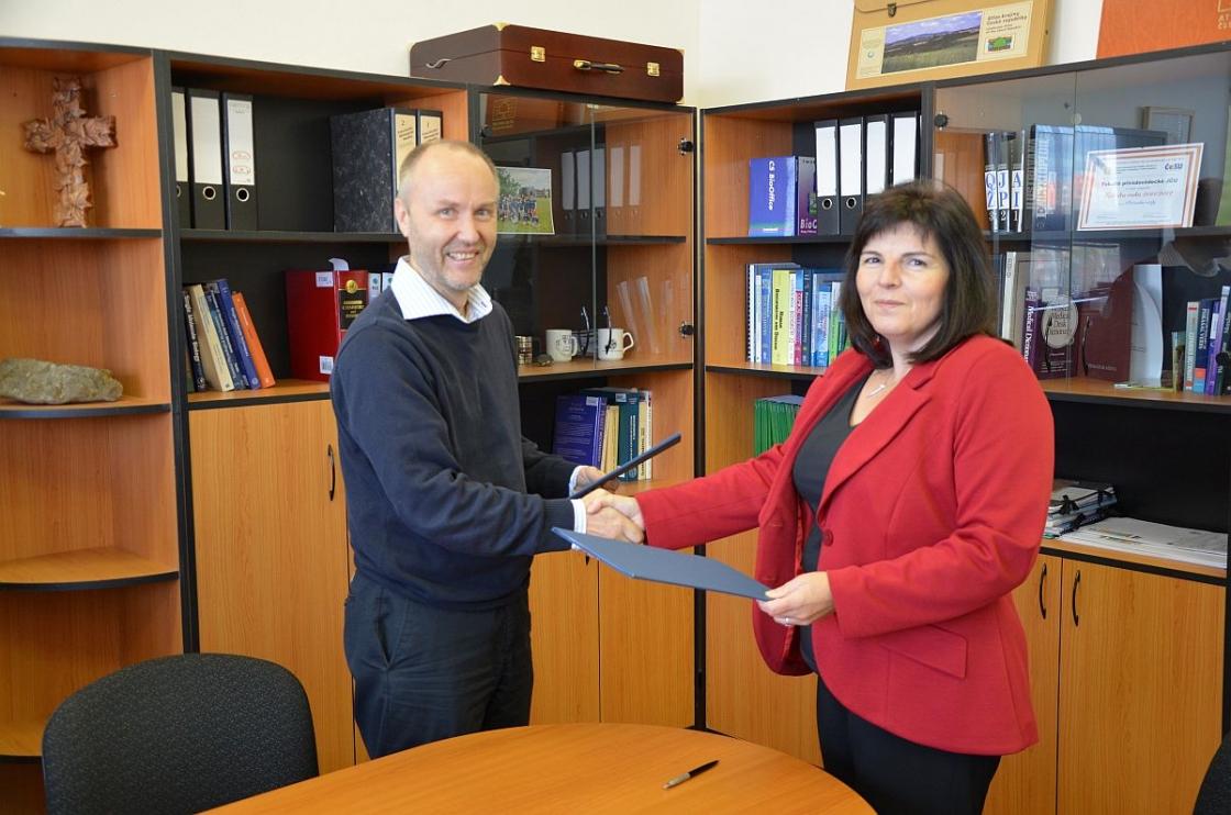 Střední škola a Jazyková škola Volyně se stala pátou fakultní školou PřF